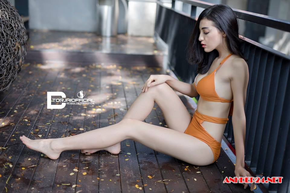 Ngắm gái đẹp bikini hồng cực gợi cảm